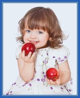 Девочка с яблоками, доброта