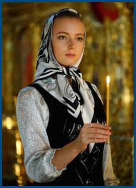 Православная, девушка, в храме