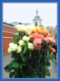 Цветы к мощам святой Матроны