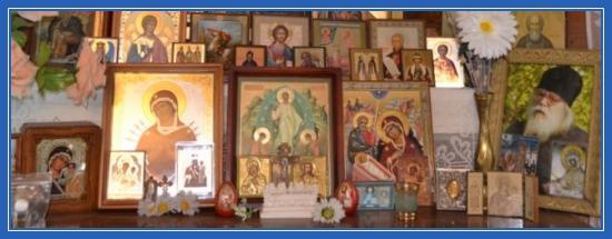 Красный угол, православные святыни, иконы, иконостас