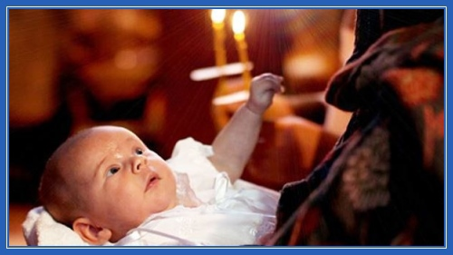 Ребенок, младенец, в храме