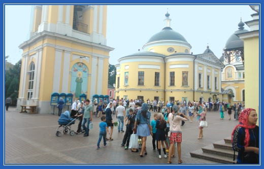 Покровский монастырь, колокольня, площадь