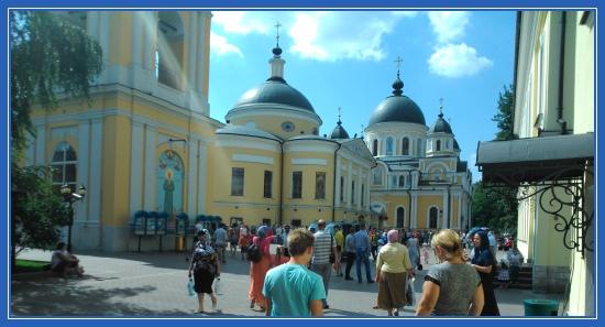 Покровский монастырь, площадь, блаженная Матрона