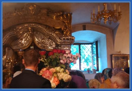Мощи святой Матроны Московской, фотография