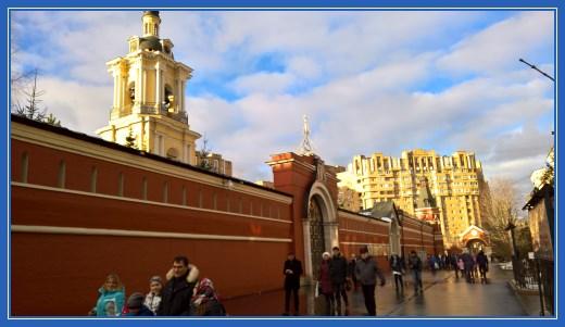 Стены Покровского монастыря