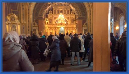 Воскресенский собор Покровского монастыря. Литургия