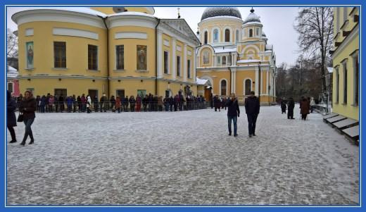 Монастырская площадь. Покровский монастырь
