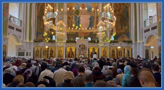 Сретенский монастырь. Новый Воскресенский собор. Внутри храма