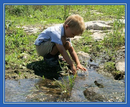 Мальчик у ручья