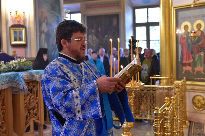 В Покровский монастырь на Покров Пресвятой Богородицы!