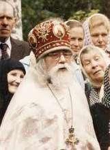 Архимандрит Иоанн проповедует на праздник Архистратига Михаила