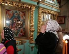 Горячая молитва перед иконой