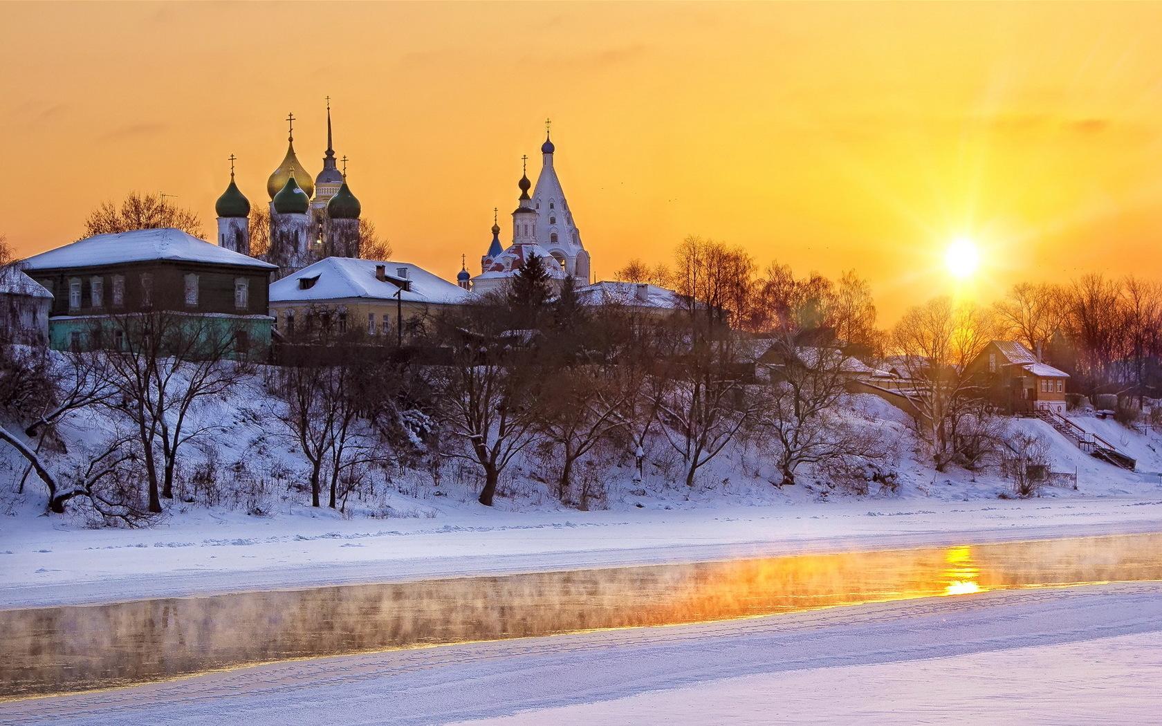Зимний православный пейзаж