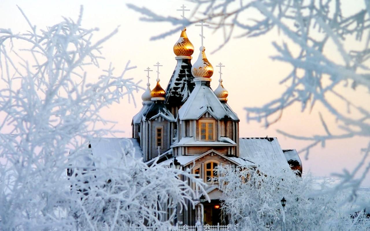 Храм в инее