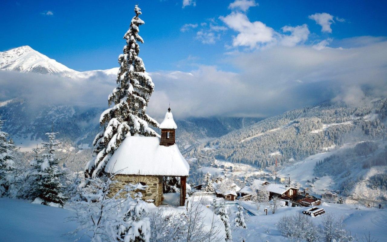 Красивая зимняя природа - храм