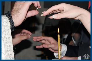 Разделяют ли сейчас чин обручения и венчание?