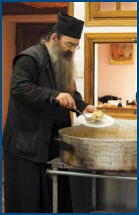 Монах, готовит, еда