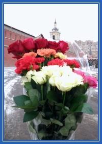 Цветы, к мощам святой Матроны