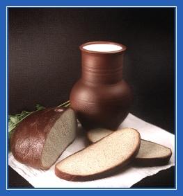 Молоко, крынка, хлеб, кувшин