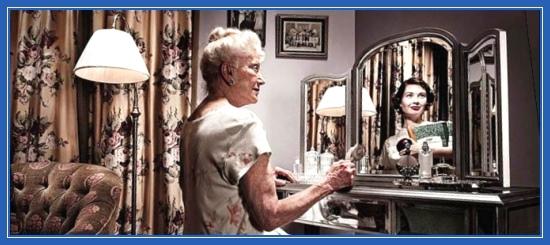 Воспоминания, молодость, старость, зеркало