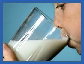 стакан молока, ребенок, мальчик