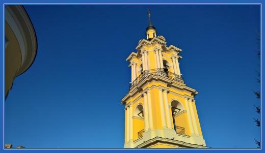 Колокольня Покровского монастыря.
