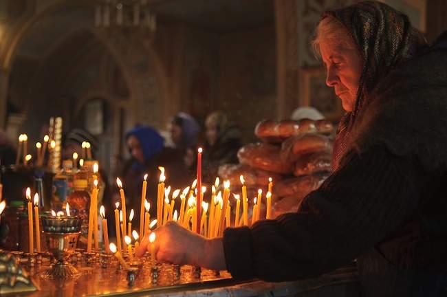 02. Канун (подсвечник в Храме, где ставятся свечи о упокоении).