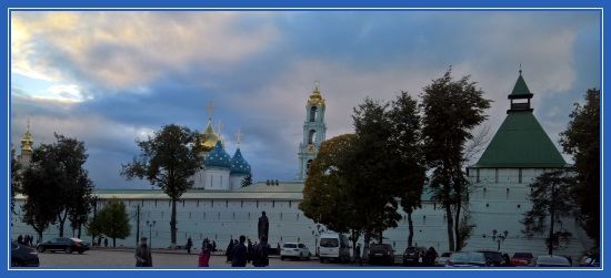 Стены Сергиевой Лавры
