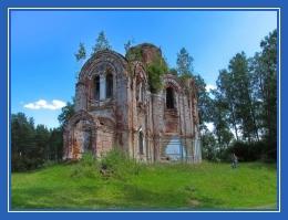 Разрушенная церковь, храм