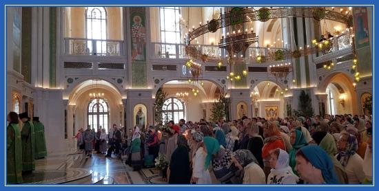 Сретенский монастырь на праздник Святой Троицы
