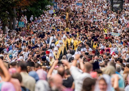 Крестный ход в Киеве. Стихотворный репортаж