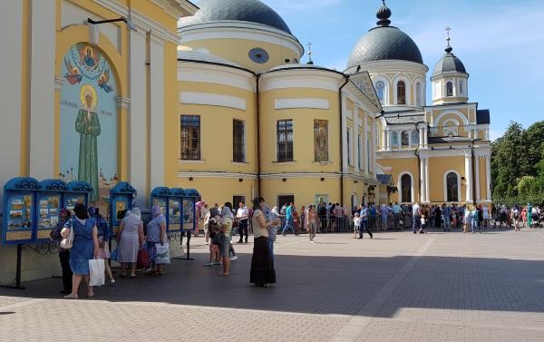 В Покровский монастырь накануне Успенского поста