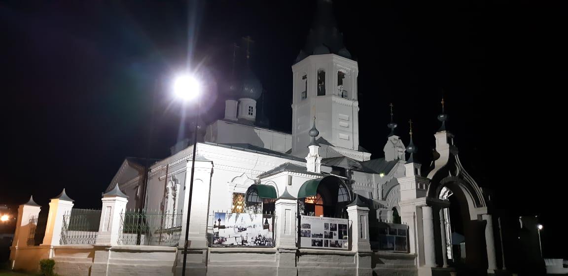Храм с. Годеново. Вечером