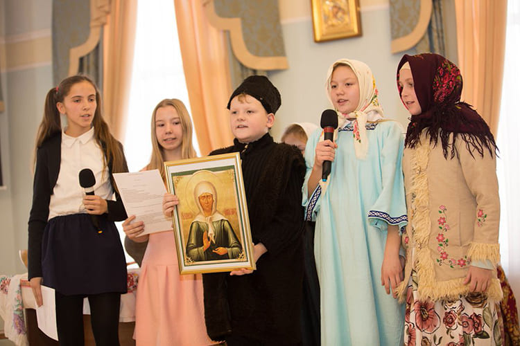 Дети. Икона св. Матроны
