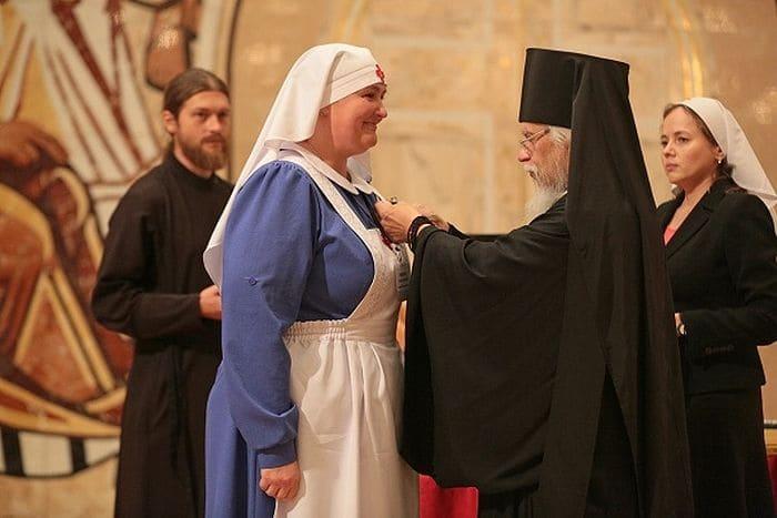 Владыка Пантелеимон и сестра милосердия
