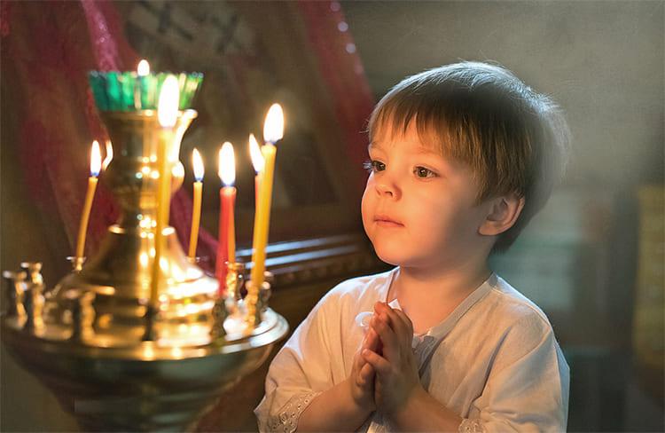 Мальчик в храме