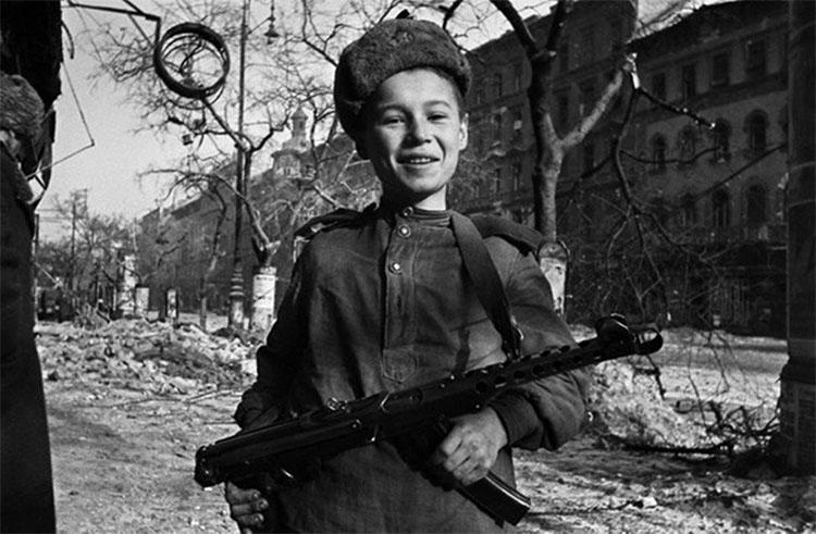 Маленький танкист. Сын полка