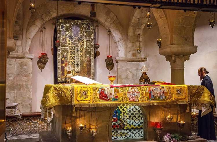 Мощи святителя Николая Чудотворца в Бари