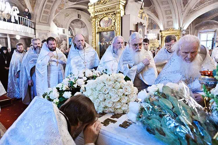 У гробницы Патриарха Алексия II