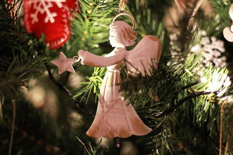 Ангел, на елке