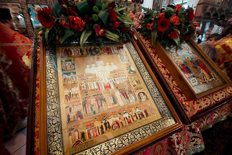 Икона новомучеников и исповедников Российских в храме