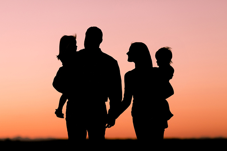 Семья и закат