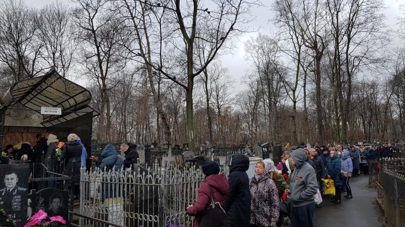 Очередь к могилке святой Матроны