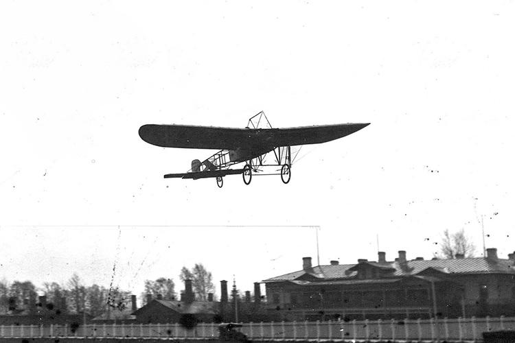 Аэроплан Блерио в воздухе