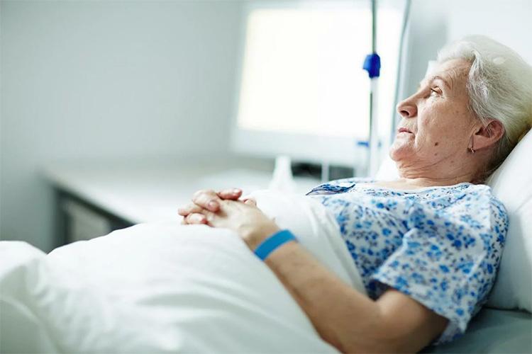 Женщина в больнице