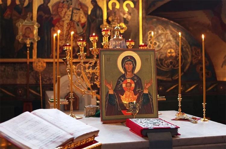 Акафист Пресвятой Богородице в храме