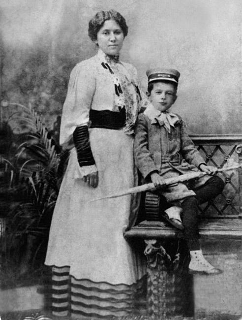 Ольга Ивановна Муравьева с сыном