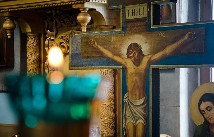 Распятие Иисуса Христа в храме