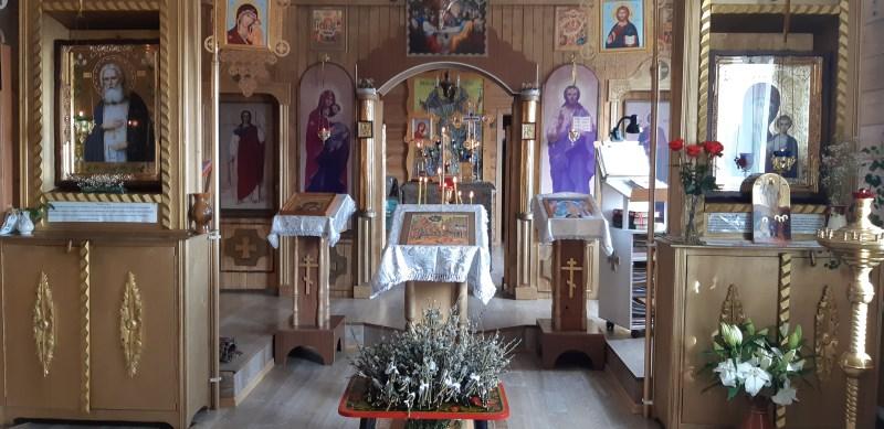 Верба в храме на Вербное воскресение