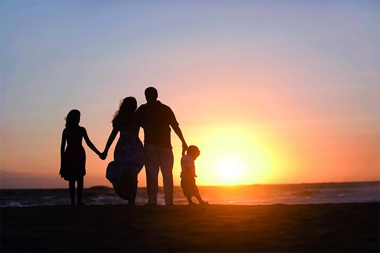 Семья у моря